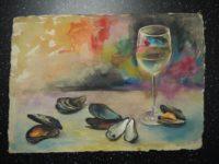 Натюрморт с бокалом белого вина и мидиями